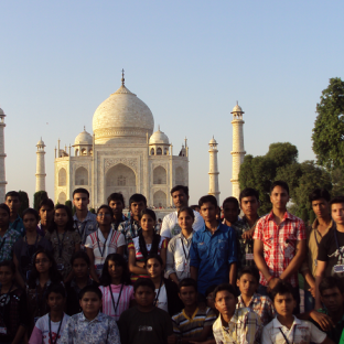 tour to d taj mahal
